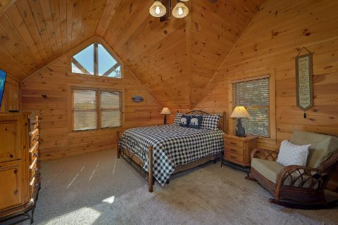 Top Floor Master Bedroom Room - Sweet Mountain Air