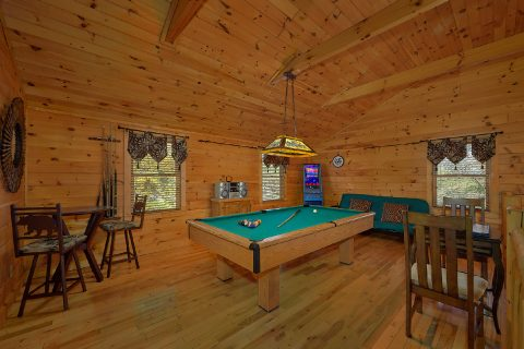 Open Loft Game Room with Pool Table 3 Bedroom - Sweet Mountain Air