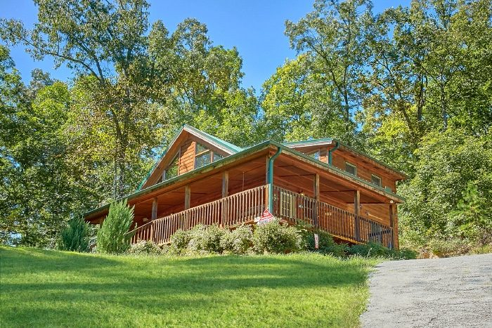 Private Cabin with Yard, Gazebo and Fire Pit - Sweet Seclusion