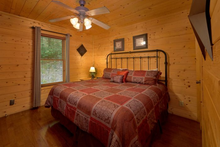 Private Cabin with 2 King Bedrooms and Baths - Sweet Seclusion