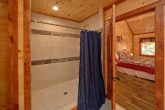 6 Bedroom Cabin with 6 Walk-In Showers