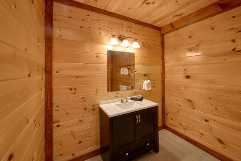 6 Bedroom Cabin with 6 Private Bathrooms - Swimmin' In The Smokies