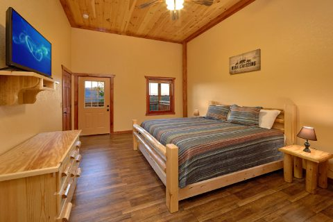 6 Bedroom Cabin with Deck Access From Bedrooms - Swimmin' In The Smokies
