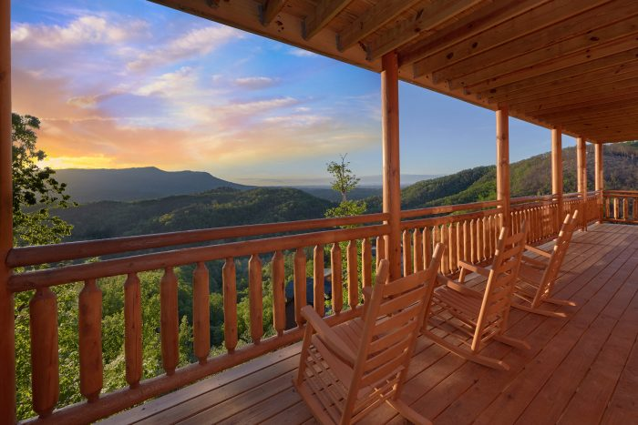 6 Bedroom Cabin with Rocking Chairs on Decks - Swimmin' In The Smokies