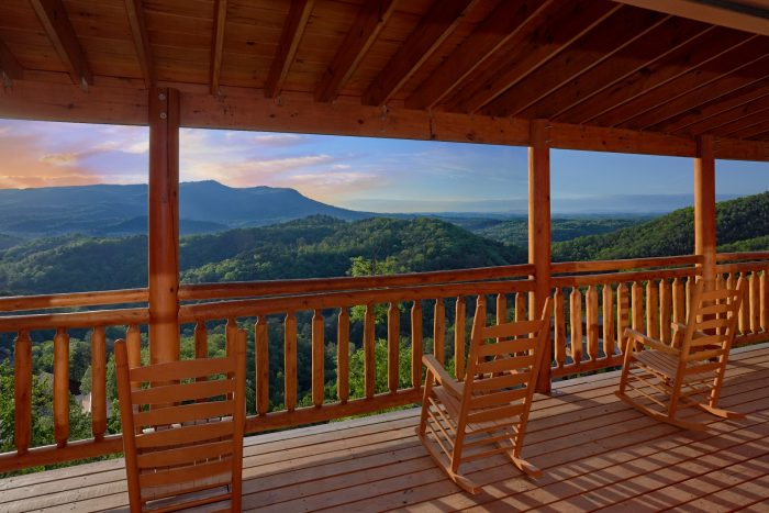 4-Level Cabin with Private Decks - Swimmin' In The Smokies