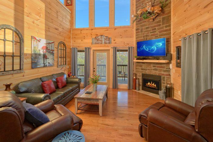 2 bedroom Cabin Sleeps 6 with Indoor Pool - Swimming Hole