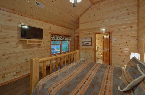 Master Bedroom with King Bed and Flatscreen TV - Swimming in the Smokies
