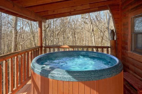 Pigeon Forge Cabin with Covered Porch & Hot Tub - Tennessee Dreamin