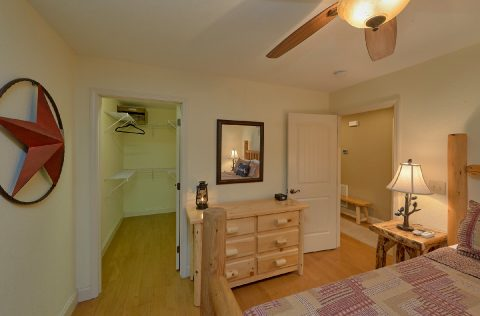 Master Bedroom with King Bed and Flatscreen TV - Tennessee Tranquility