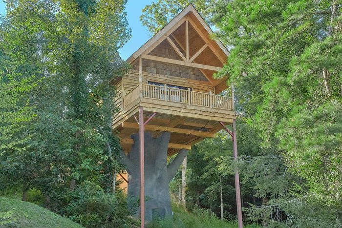 Tennessee Treehouse Cabin Rental Photo