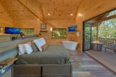 Premium 1 bedroom cabin with King bed and views