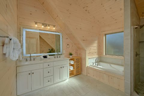 Master Bathroom with Jacuzzi - The Bear and Buck