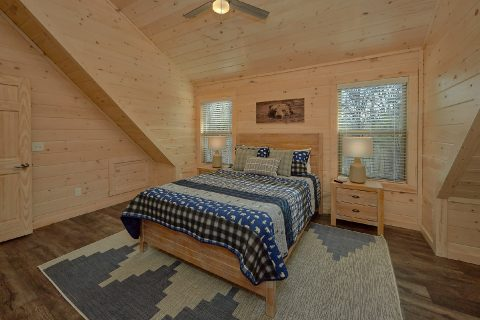 King Bedroom with Connecting Full Bathroom - The Bear and Buck