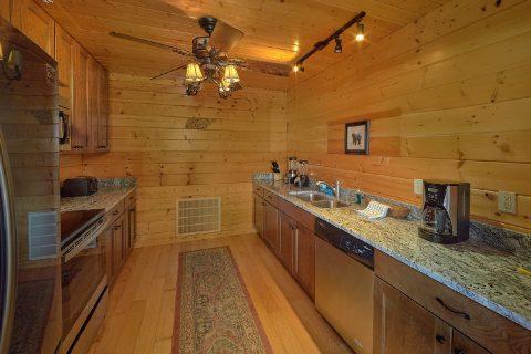 Beautiful 6 Bedroom 4 Bath Cabin Sleeps 15 - The Big Cozy