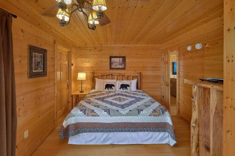 Large Dining Room Table 6 Bedroom Cabin - The Big Cozy