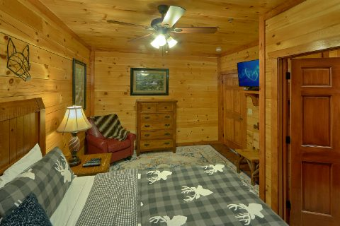Cabin with 11 bedrooms that sleeps 44 guests - The Big Lebowski