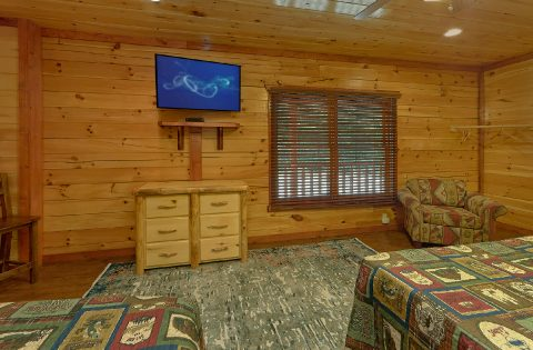 Premium 11 bedroom cabin with 11 King beds - The Big Lebowski