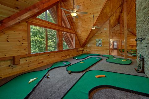 9 hole putt putt game in 11 bedroom cabin rental - The Big Lebowski