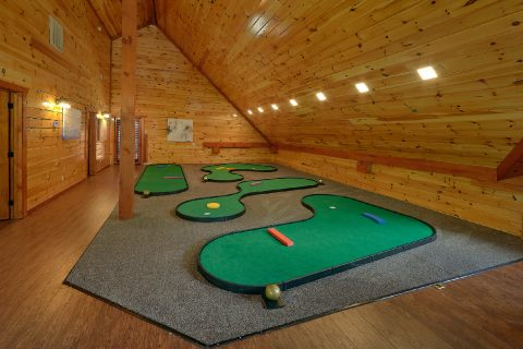 11 bedroom cabin with private putt putt course - The Big Lebowski