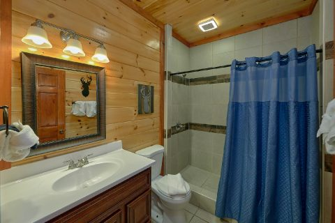 11 bedroom cabin with 9 Full Bathrooms - The Big Lebowski