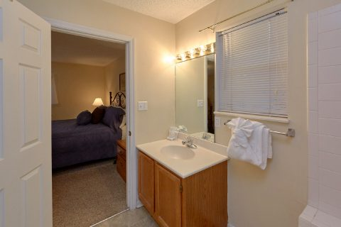 Vacation Home with Private Master Bath - The Bunkhouse