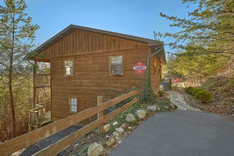 Pigeon Forge 4 Bedroom 3 Bath Cabin - The Gathering Place