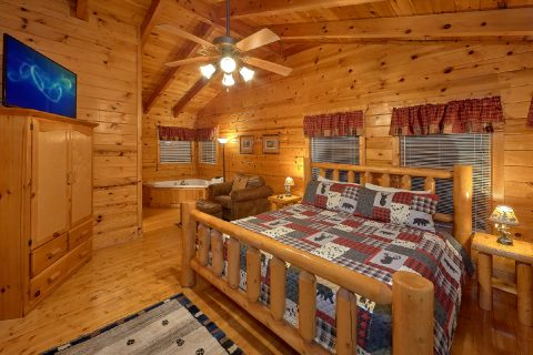4 Bedroom Cabin with Main Floor Bedroom - The Majestic