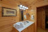 Spacious 4 Bedroom 3 Bath Cabin Sleeps 10