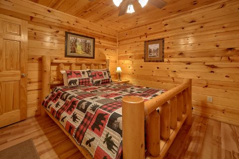 Spacious 4 Bedroom 3 Bath Cabin Sleeps 10 - The Majestic