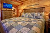 Beautiful Furnished 4 Bedroom Cabin Sleeps 14