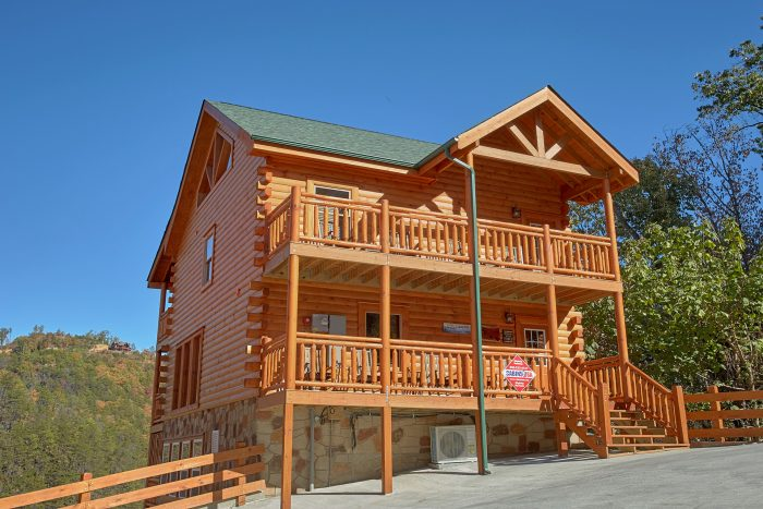 4 Story 4 Bedroom Cabin Sleeps 14 - The Only TenISee