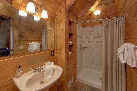 2 Privat Bath Rooms 1 Bedroom Cabin Sleeps 4 - The Overlook