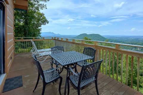 1 Bedroom Cabin Sleeps 4 with Outdoor Seating - The Overlook