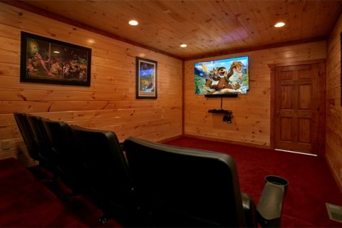 Pigeon Forge Cabin with Theater Room - The Preserve