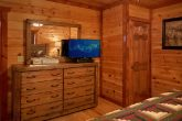 Luxurious Pigeon Forge Cabin with Flat Screen TV