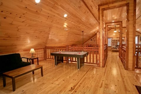 Premium 6 Bedroom cabin with Air Hockey Game - The Preserve