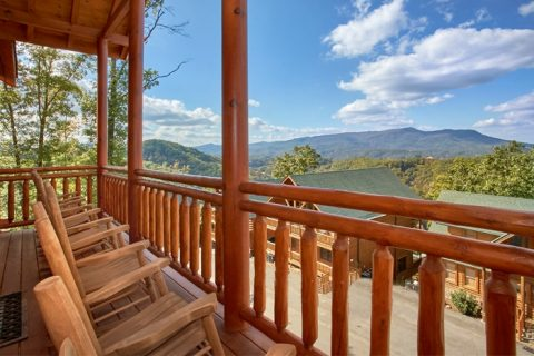 Large Luxurious Cabin with Great Smoky Mtn Views - The Preserve