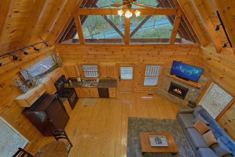 Large Open Space 4 Bedroom Cabin Sleeps 14 - The Woodsy Rest