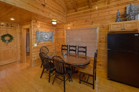 Dining Room Table 4 Bedroom 3 Bath Cabin - The Woodsy Rest