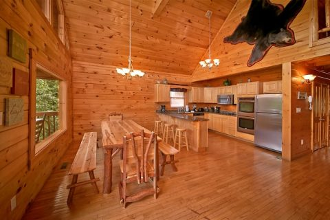 7 bedroom cabin with large dining area - Timber Lodge