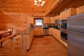 7 bedroom cabin with double oven