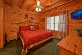 7 bedroom cabin with 4 master suites