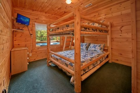 Cabin with Queen bunk beds - Timber Lodge