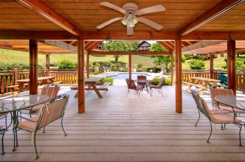 7 bedroom cabin with Resort Pool and patio - Timber Lodge