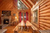 Large Dining Room Table 2 Bedroom Cabin Sleeps 8