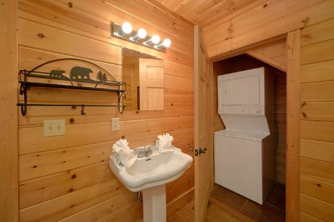 Washer and Dryer 2 Bedroom Cabin Sleeps 6 - TipTop
