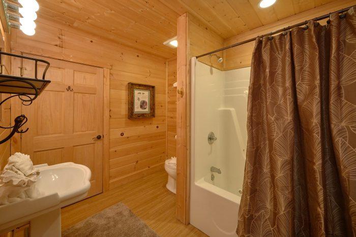 Den Downstairs of Cabin - TipTop