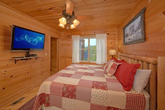 Spacious Deck and Views at Cabin - TipTop