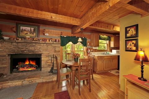 Rustic 1 Bedroom Cabin with Cozy Fireplace - Top of the Mountain