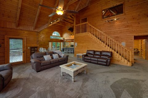 Premium 6 bedroom cabin with large dining room - Top Of The World